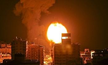 Israel không kích Gaza hàng chục lần trong đêm