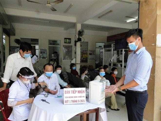 Tiêm vaccine COVID-19 cho chủ doanh nghiệp: Sở Y tế Tiền Giang nói gì? - 1