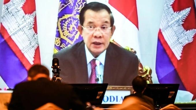 """Hun Sen: """"Không dựa vào Trung Quốc thì dựa vào ai?"""""""