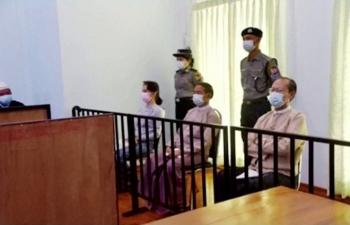 Hình ảnh đầu tiên của bà Aung San Suu Kyi sau đảo chính