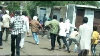 Ấn Độ: Quan chức đi vận động tiêm chủng bị dân vác gậy đuổi đánh