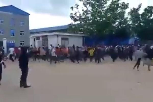 Campuchia bác tin hàng nghìn công nhân tháo chạy vì Covid-19