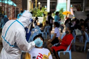COVID-19: Thái Lan lập kỷ lục người chết, ca nhiễm ở Malaysia cao chưa từng thấy