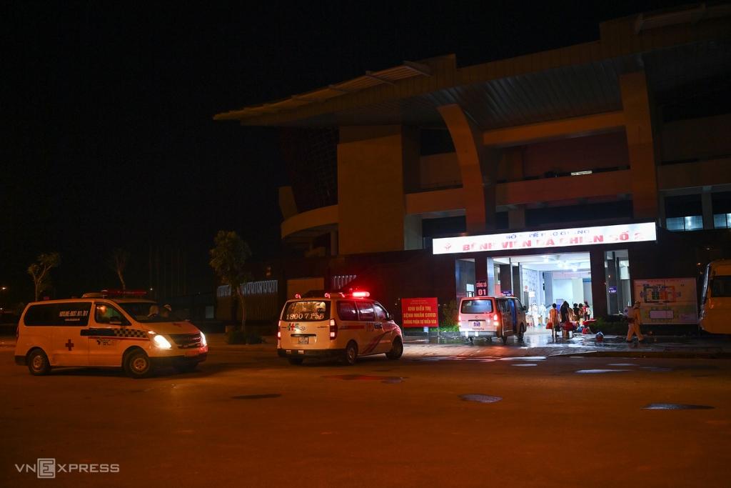 Xuyên đêm đưa 500 người vào bệnh viện dã chiến