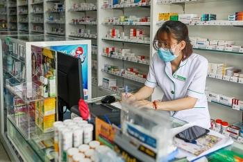 TP HCM siết chặt giám sát y tế người mua thuốc ho, sốt