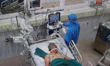Bão cytokine quật ngã nhiều bệnh nhân Covid-19 trẻ khỏe