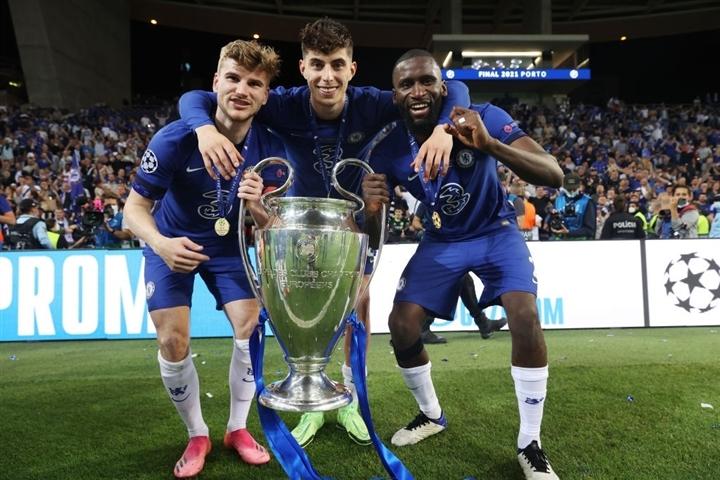 Ảnh: Chelsea vô địch Champions League sau 9 năm chờ đợi  - 7