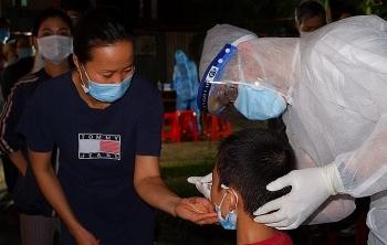 Hơn 62.000 người TP HCM liên quan hai cụm dịch lớn