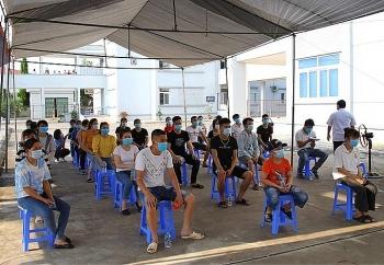 Những người khỏi Covid-19 đầu tiên ở Bắc Giang xuất viện