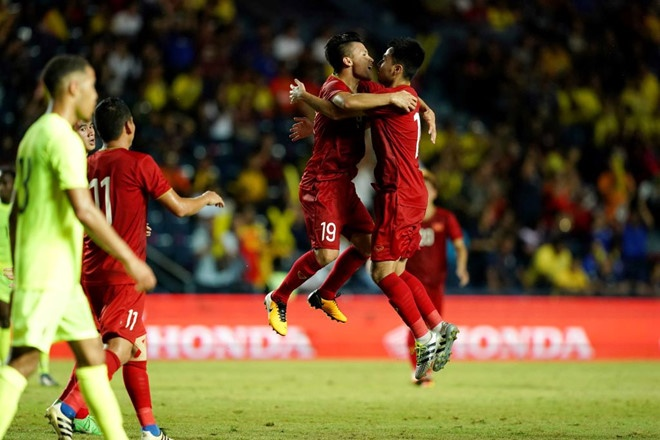 truyen thong thai lan bong da viet nam dang huong den world cup