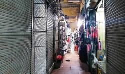 Sạp chợ Bến Thành đóng cửa hàng loạt