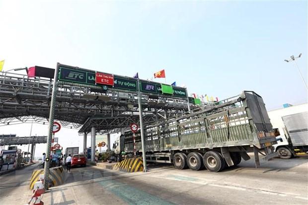 cuoi 2020 cac tram thu phi phai chuyen sang thu phi dien tu khong dung