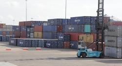 Cán cân thương mại hàng hóa thặng dư 170 triệu USD trong nửa đầu tháng 6