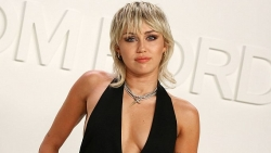Miley Cyrus tiết lộ đã bỏ rượu và cần sa 6 tháng