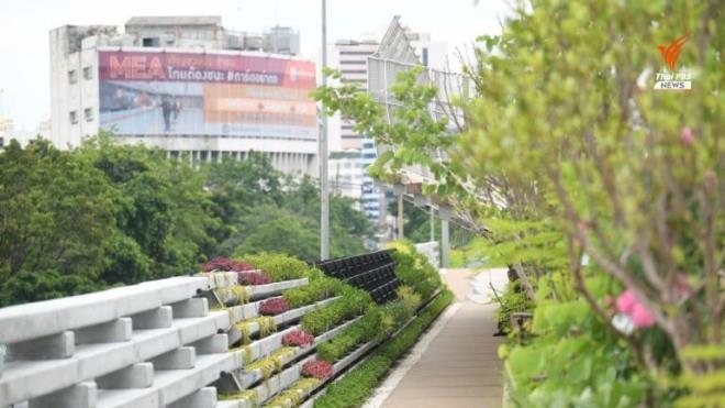 duong sat tren cao bo hoang 30 nam thai lan lam cong vien tren song