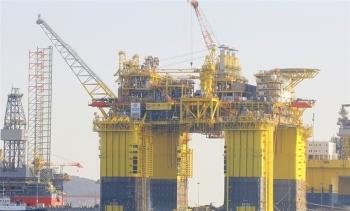 Trung Quốc chuẩn bị khai thác giàn khoan lớn nhất thế giới trên Biển Đông