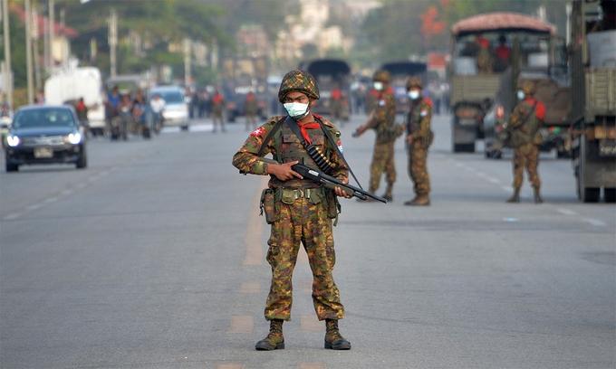 Quân đội Myanmar phản kích phiến quân