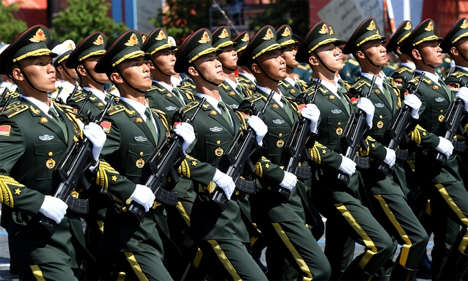 Quân đội Trung Quốc chật vật với dân số già