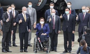 Nghị sĩ Mỹ thăm Đài Loan, cam kết tặng vaccine Covid-19