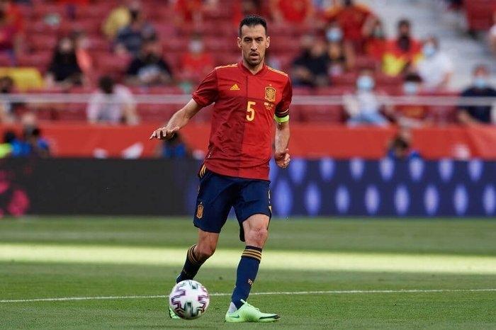 Sergio Busquets dương tính SARS-CoV-2, tuyển Tây Ban Nha bị cách ly khẩn cấp  - 1