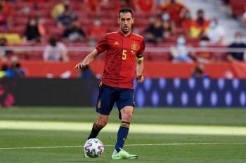 Sergio Busquets dương tính SARS-CoV-2, tuyển Tây Ban Nha bị cách ly khẩn cấp