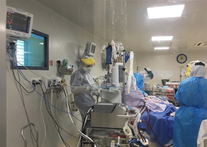 TP.HCM: Một bệnh nhân nghi mắc COVID-19 chết trên đường chuyển viện - 1
