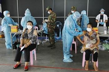 """""""Chiến dịch nở hoa"""" giúp Campuchia bứt tốc tiêm chủng"""