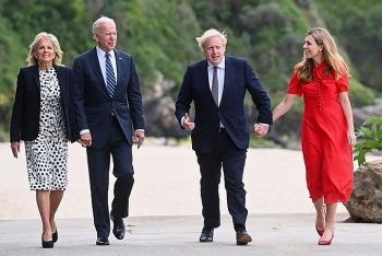 Tổng thống Mỹ tặng xe đạp cho Thủ tướng Anh