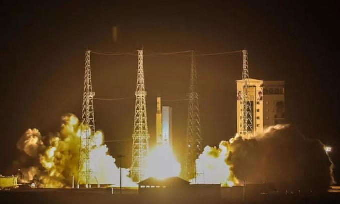 Nga sắp phóng vệ tinh mắt thần cho Iran