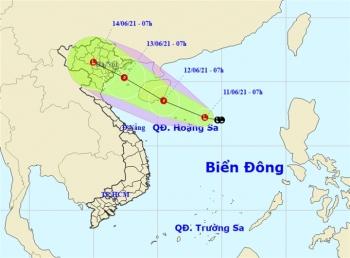 Vùng áp thấp gây mưa lớn diện rộng từ miền Bắc đến miền Trung