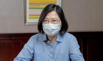 Lãnh đạo Đài Loan xin lỗi vì Covid-19 bùng phát