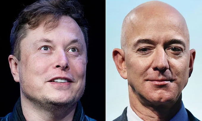 Cuộc đấu từ Trái Đất lên Mặt Trăng của Elon Musk và Jeff Bezos
