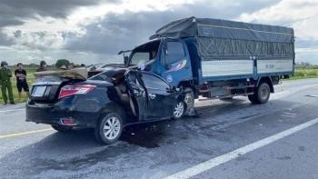 Ô tô con đối đầu xe tải, 3 người chết tại chỗ