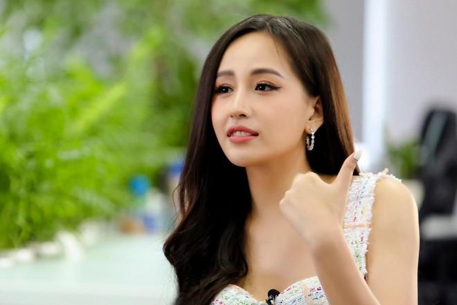 Hoa hậu Mai Phương Thúy đăng ký làm tình nguyện viên hỗ trợ chống dịch Covid-19 ảnh 1