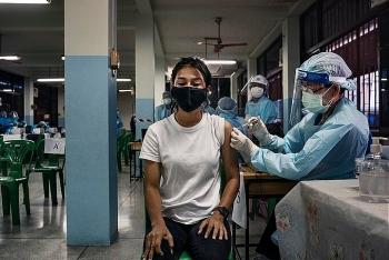 Thái Lan vấp ngã trong chiến dịch tiêm chủng