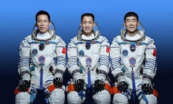 Trung Quốc phóng tàu chở 3 phi hành gia lên trạm Thiên Cung