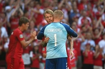 Cầu thủ Đan Mạch, Bỉ dừng bóng cổ vũ Eriksen, Lukaku rơi nước mắt