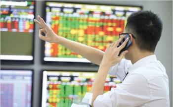 VN-Index tăng mạnh, lập đỉnh lịch sử mới