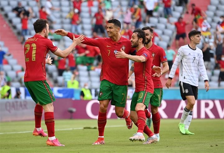 Tuyển Đức đè bẹp Bồ Đào Nha, phá tan màn trình diễn chói sáng của Ronaldo - 1