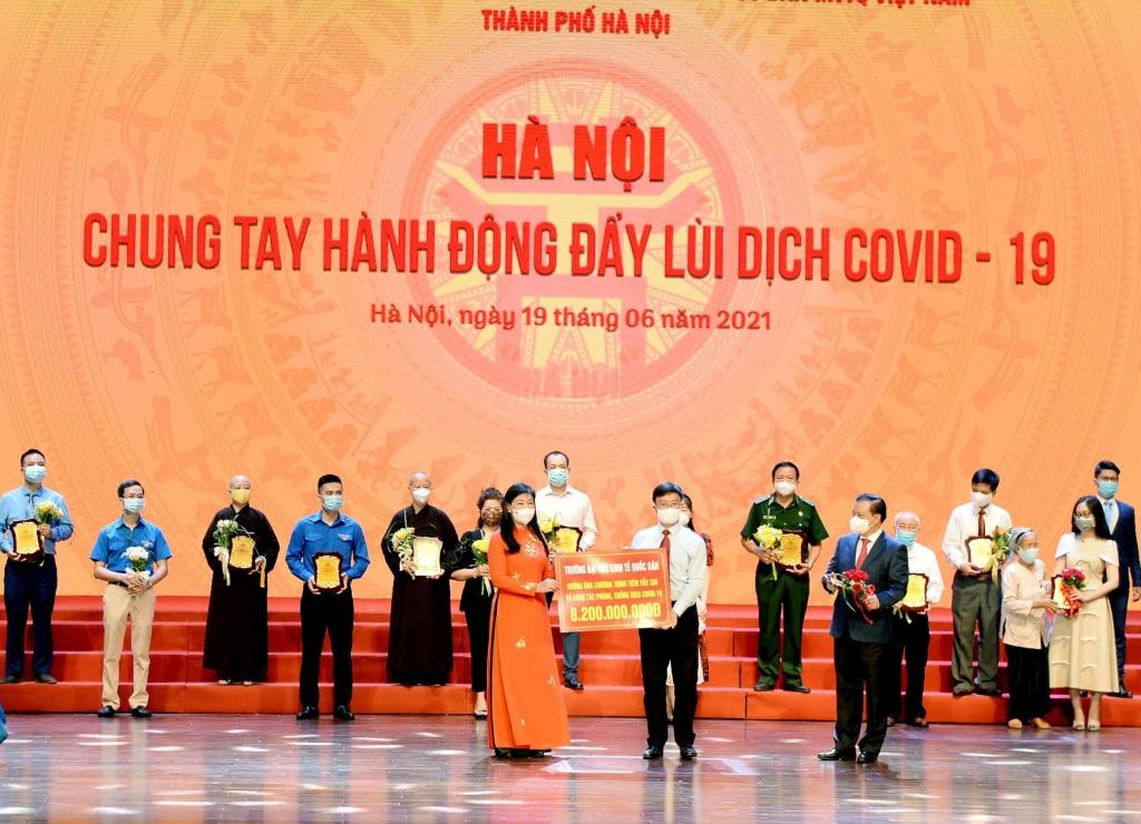 Trường đại học ở Hà Nội chi 8 tỷ đồng mua vaccine cho giảng viên, sinh viên
