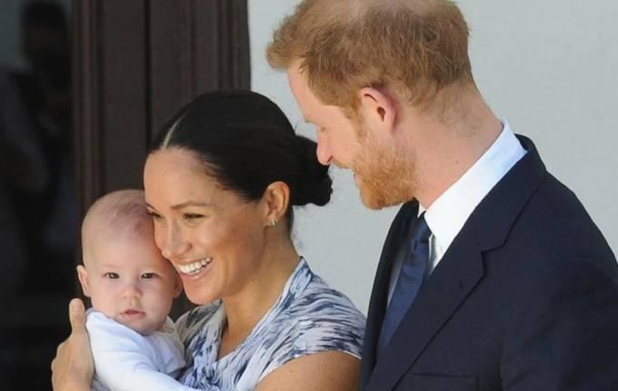 """Thái tử Charles """"không để Archie trở thành hoàng tử"""""""