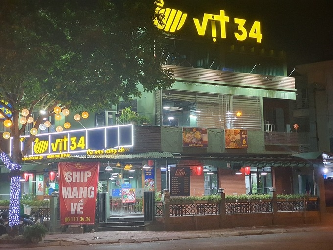 Mừng, lo của người kinh doanh khi Hà Nội mở lại dịch vụ