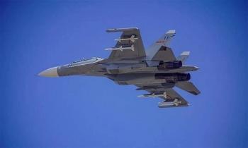 Tiêm kích Trung Quốc dọa tấn công máy bay nước ngoài