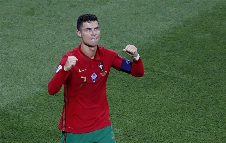 EURO 2020 ngày 24/6: Ronaldo phá kỷ lục ghi bàn EURO và World Cup