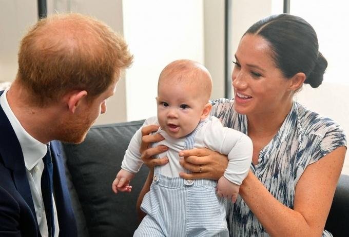Meghan và Harry từ chối tước hiệu bá tước Dumbarton cho con trai