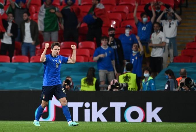 Cặp cha con Italy đi vào lịch sử Euro - VnExpress