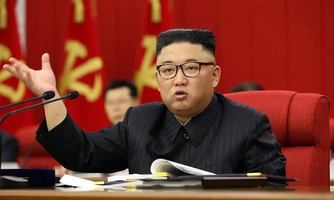 """Thông điệp từ hình ảnh """"tiều tụy"""" của Kim Jong-un"""