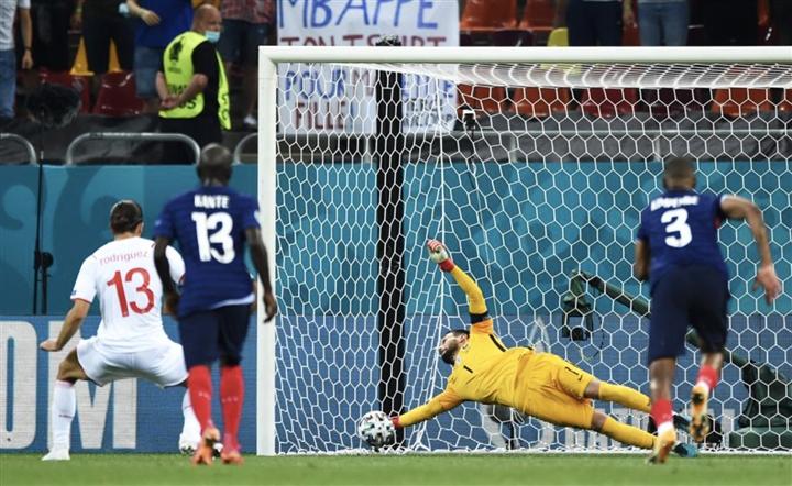 Dẫn 3-1 rồi thua luân lưu 11m, Pháp rơi nước mắt rời EURO 2020 - 3