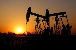 OPEC tiếp tục giảm sản xuất để hỗ trợ giá dầu