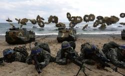 Triều Tiên dọa ngừng đàm phán vì Mỹ, Hàn nối lại diễn tập